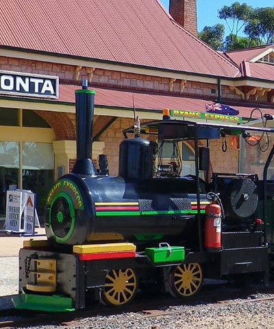 5050_2_Sided_Mobile_Moonta_Mines_Toursit_Railway_SA400w__480h.jpg